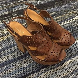 Qupid brown leather platforms size 8.5